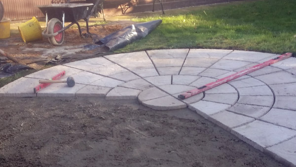 circle-patio-in-north-norfolk-3